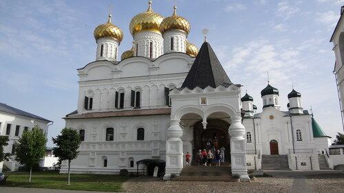 https://img-fotki.yandex.ru/get/27612/7385269.19/0_e2974_51a6ede5_L.jpg