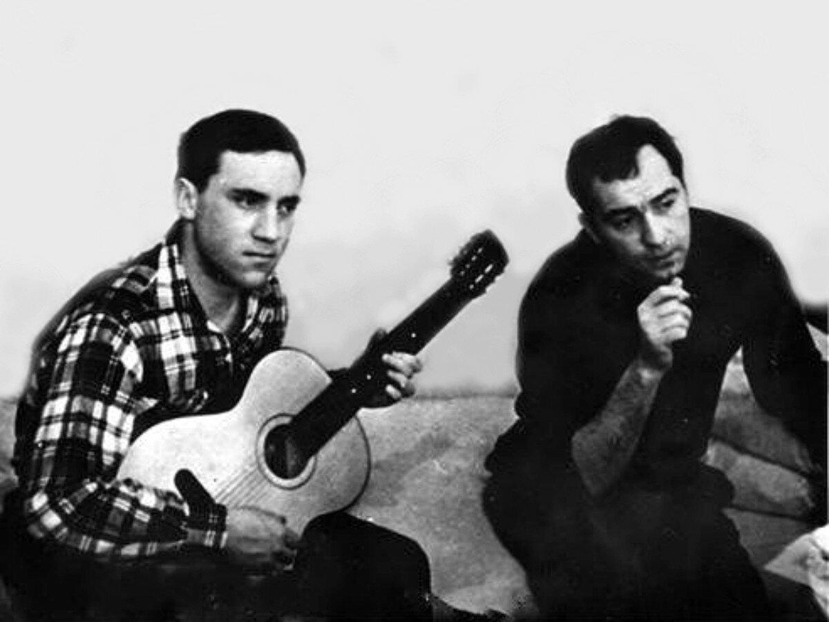 1963. Владимир Высоцкий и Михаил Туманишвили в гостинице «Сибирь» г.Томска.  29 декабря.