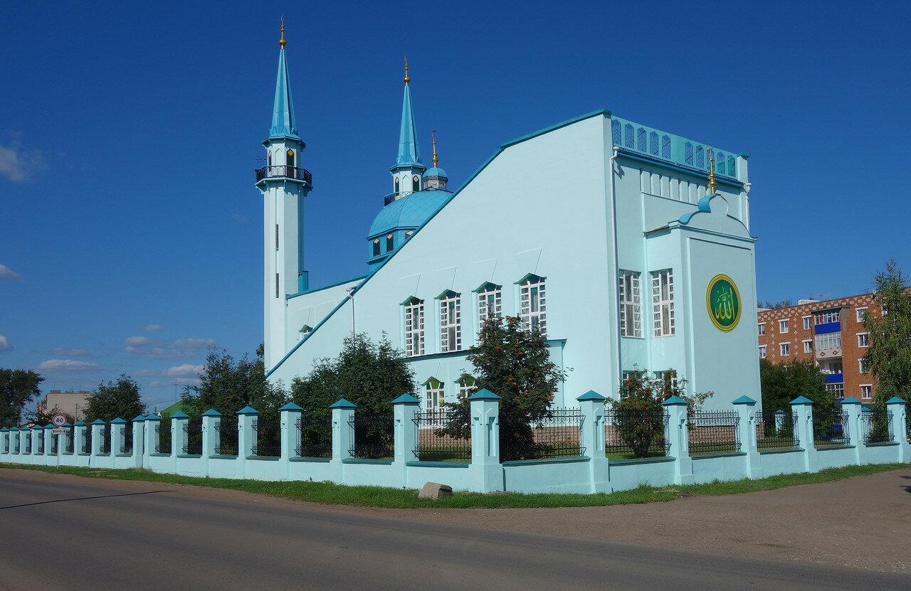 мечеть, 1990-е