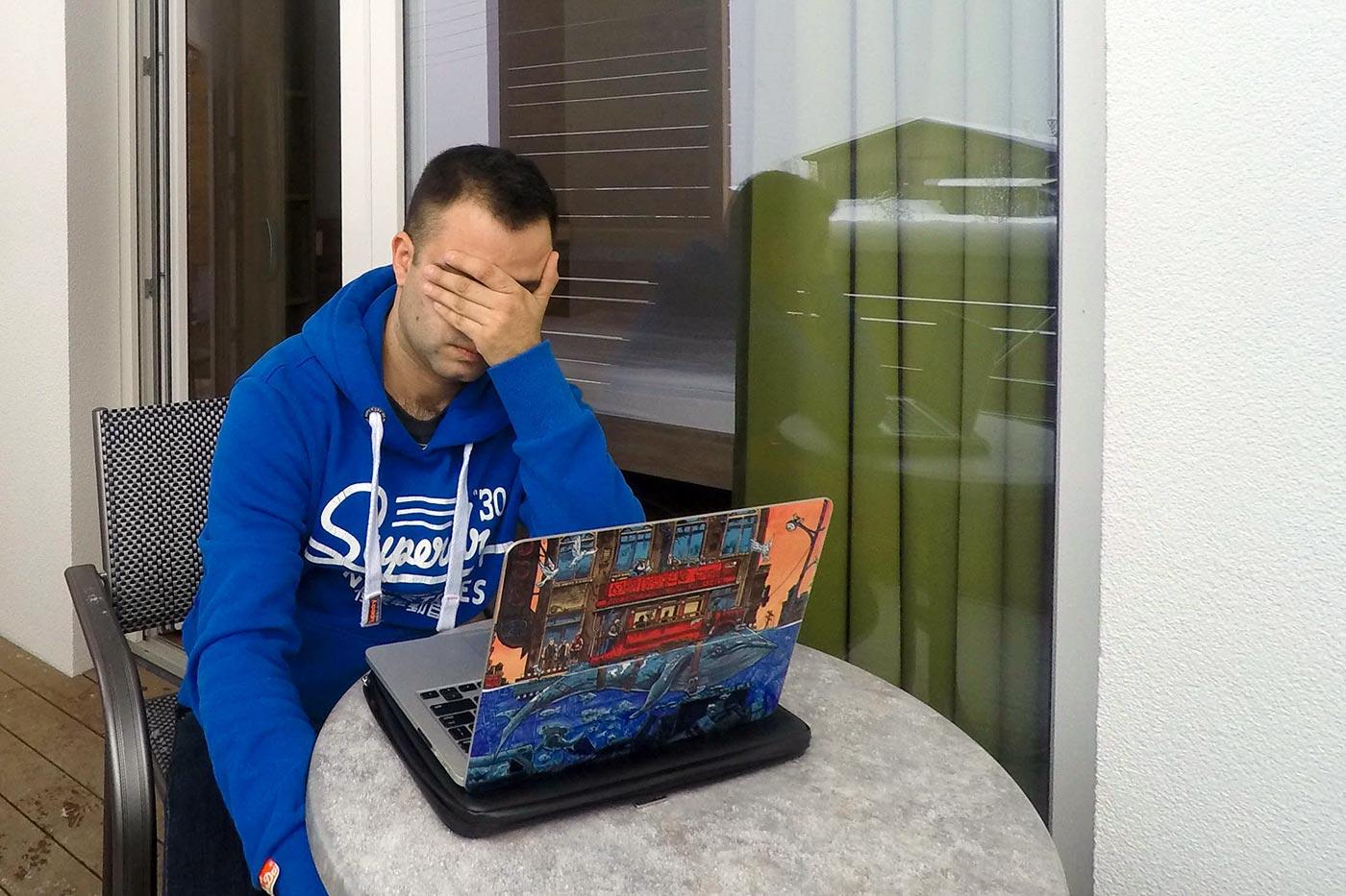 Почему у меня ноутбук, как у свиньи