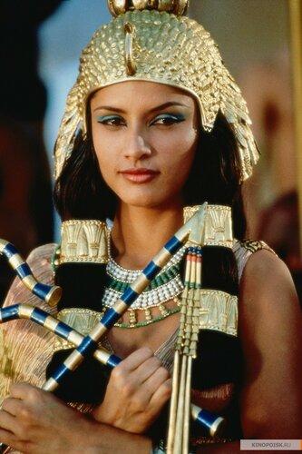 kinopoisk.ru-Cleopatra-1287097.jpg
