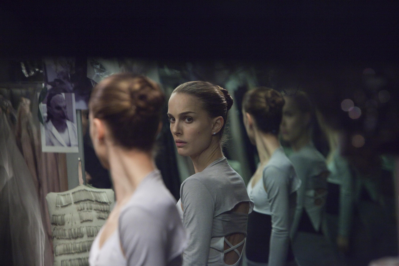 У примы балетного театра, которая никак не может совладать с отсутствием эмоциональности и чувственн
