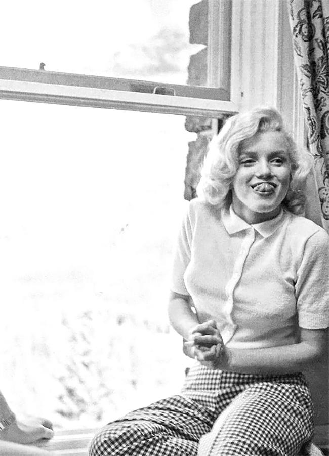 Мэрилин Монро кривляется, 1953г.