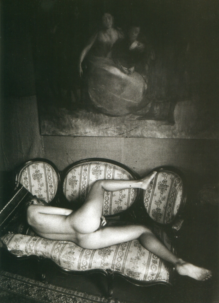 592744180_06_Jeanloup_Sieff_Naked_woman_wakes_up_on_the_couch_1974_123_119lo.jpg