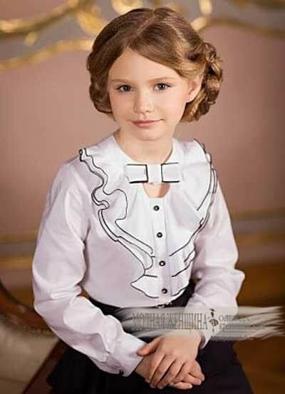 Рубашки-и-блузки-для-девочек-с-жабо-и-кружевными-вставками.jpg