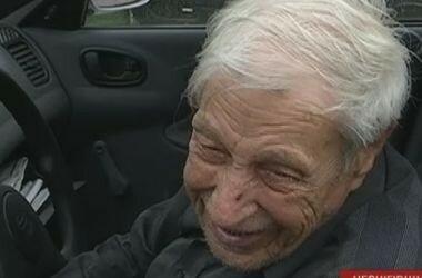 Украинец провел 77 лет за рулем автомобиля