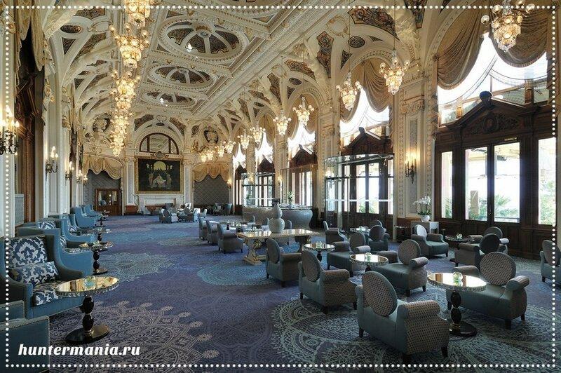 Белый зал казино Монте-Карло. Игровые автоматы всех эпох