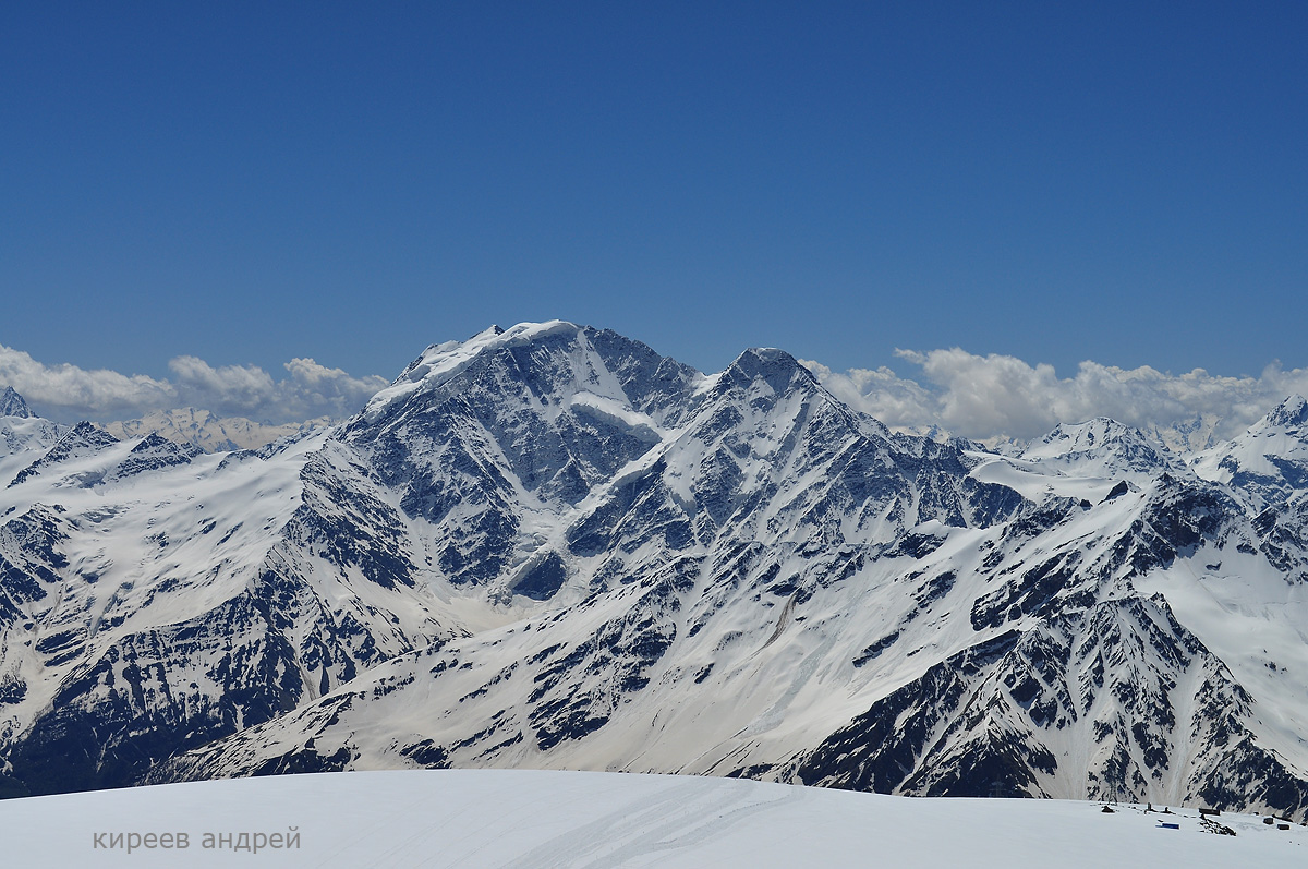 Эльбрус.Вид с высоты 4200 м.
