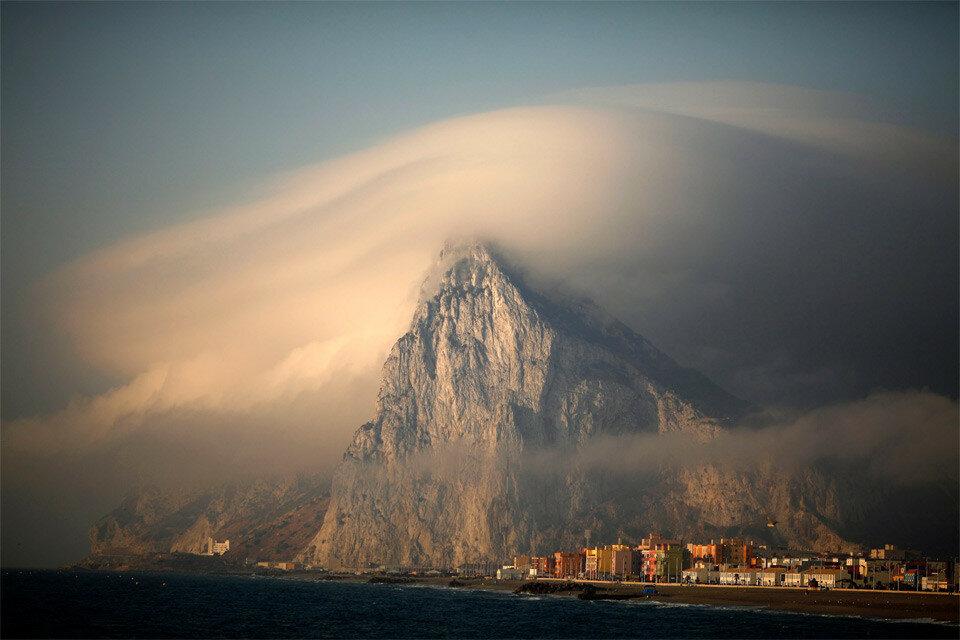 Порт Ла–Атунара, Гибралтар