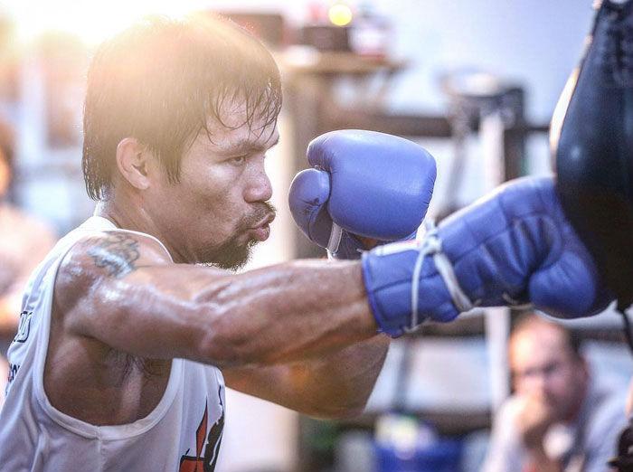 Мэнни Пакьяо — первый и на данный момент единственный боксер, становившийся чемпионом мира в восьми