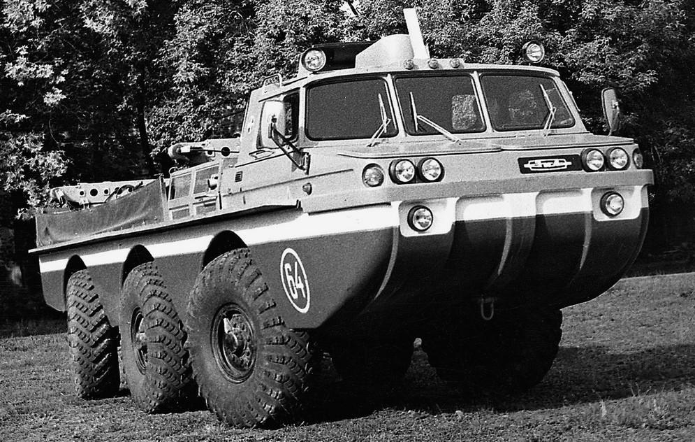 В 1980 году обе версии автомобилей начали поступать в поисково-спасательные подразделения ВВС, где в