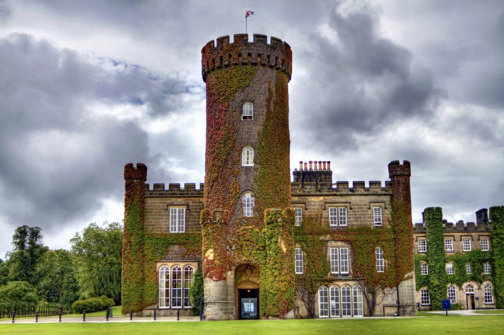 Великобритания. Северный Йоркшир. Замок Суинтон-Парк. Стоимость двухместного номера за ночь варь