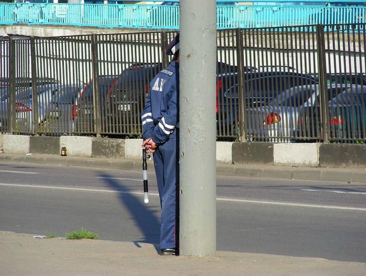 14. Единое целое Мастер-класс по маскировке от опытного сотрудника дорожной полиции.