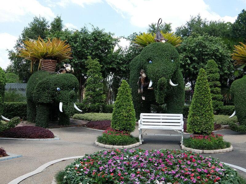 Тайский Диснейленд - Слоны