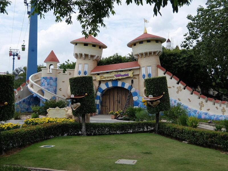 Тайский Диснейленд - Замок