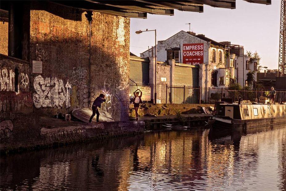 Дикая жизнь Шордича / Shoreditch Wild Life by Dougie Wallace