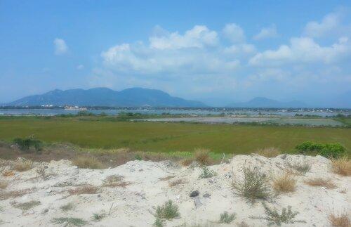 Пейзаж с морем и горами. Вьетнам
