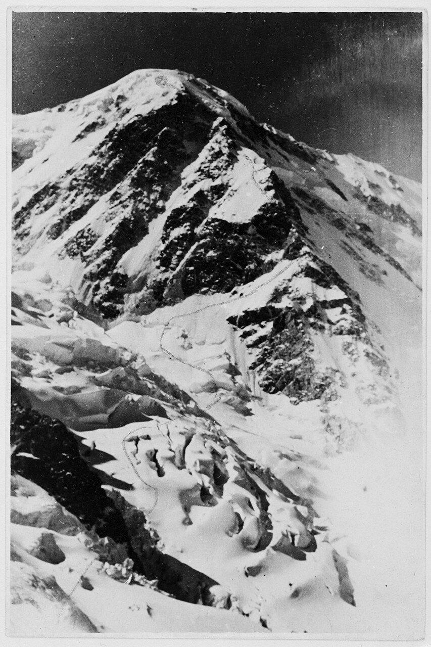 28 Августа. Группа II. Экспедиция на поиски пропавшего Эдди Тусила. Маршрут подъема на Шхару (5198 м)