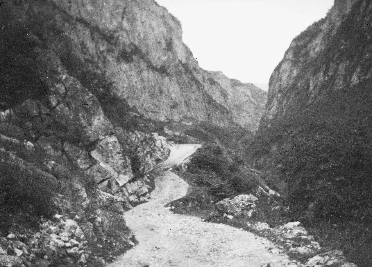 13 августа. Группа III. В ущелье реки Черек-Балкарский