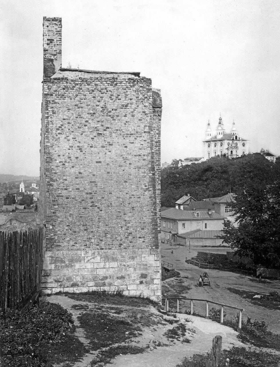 Крепостная стена и Успенский собор. 1907