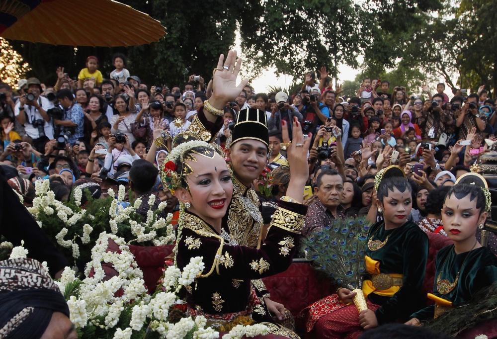 традиционные-свадебные-платья-фото4.jpg