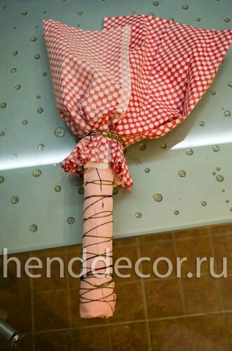 Кукла-мотанка со свадебными цветами