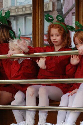 Девочки в автобусе