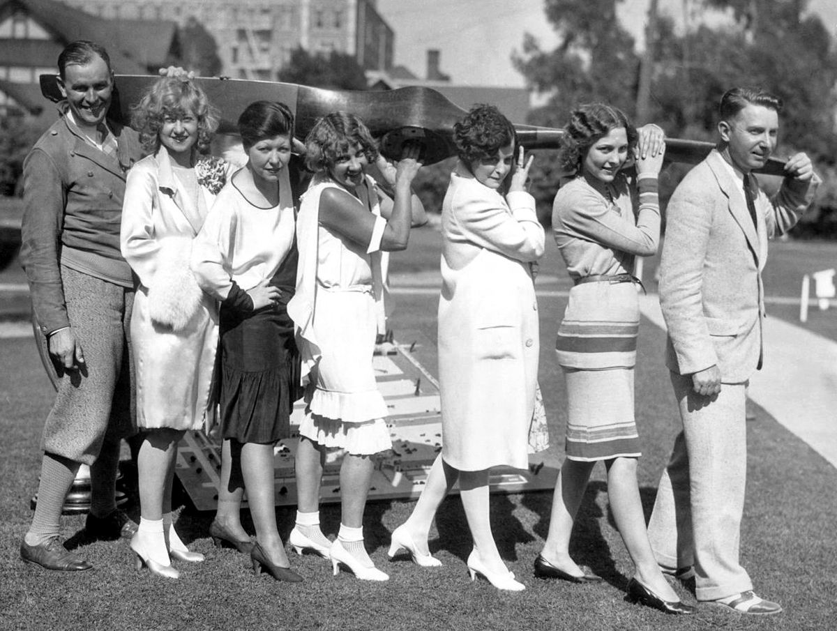 От винта: Веселые забавы подгуявших поклонников воздушных прогулок (1928 год)