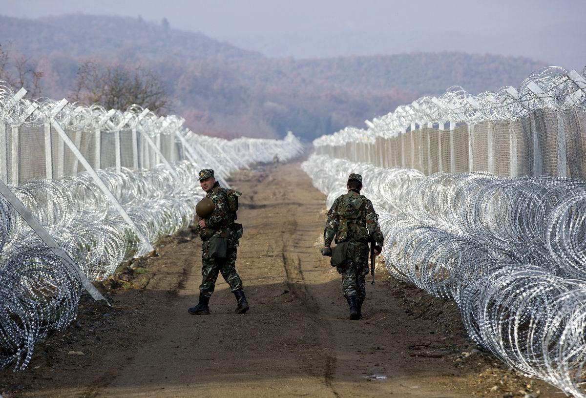 Чужие здесь больше не ходят: Многоярусные проволочные заграждения на греко-македонской границе
