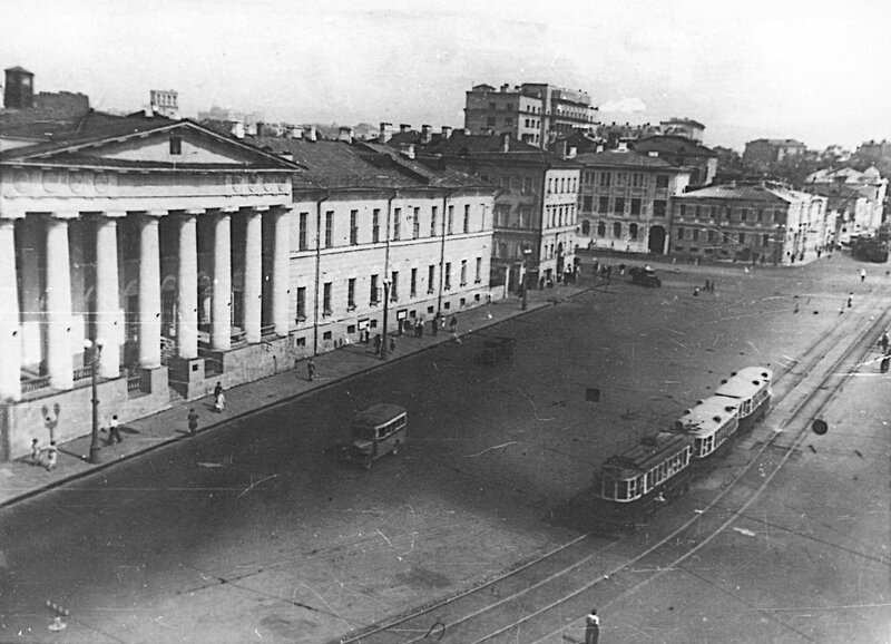 145013 Баррикадная улица кон. 1930-х гг. Из архива Владимира Белова.jpg