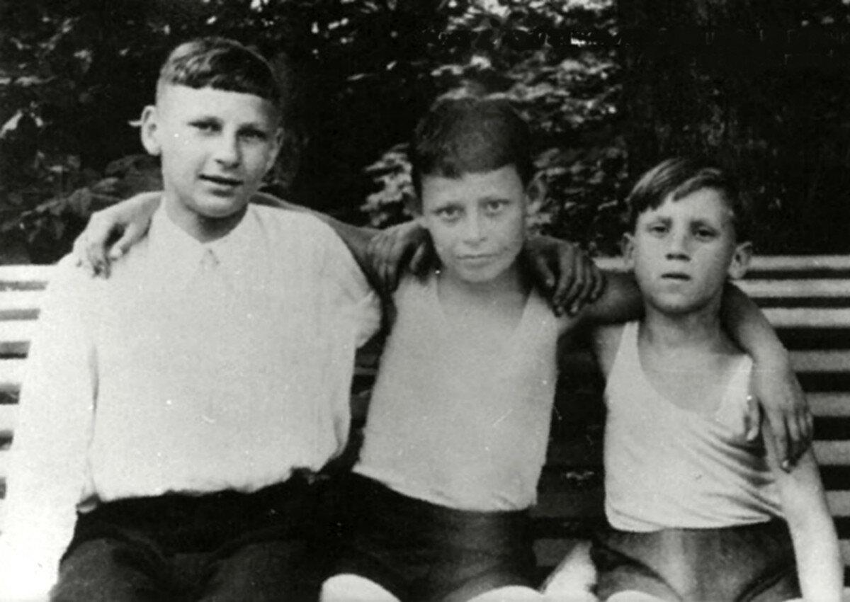 1948. Володя Высоцкий с друзьями в детском санатории г.Бад-Эльстер, Германия