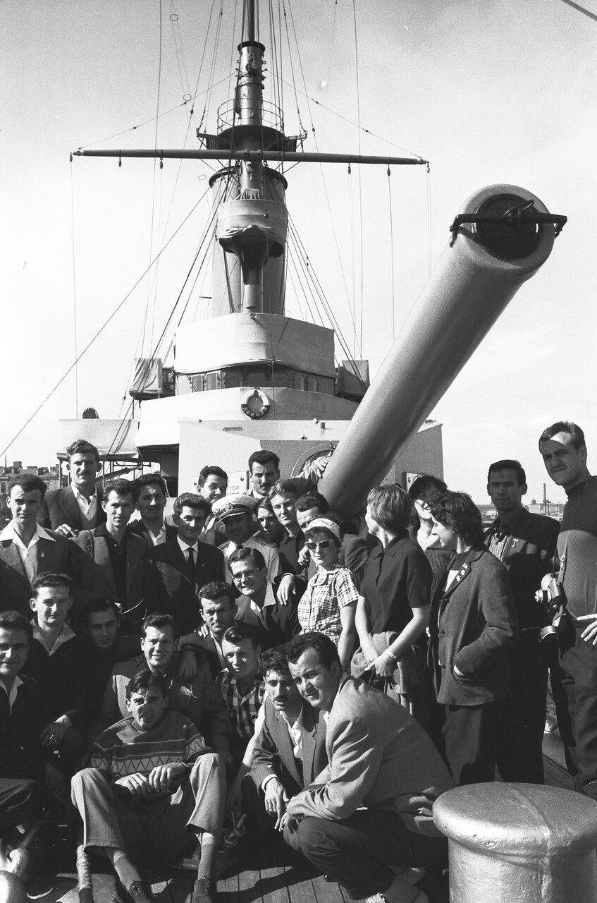 24. На крейсере Аврора
