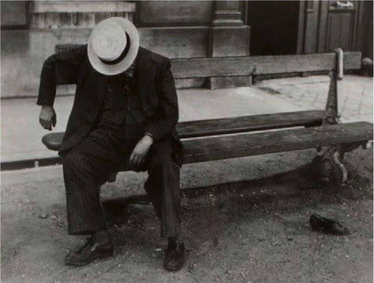 1932. Человек в канотье