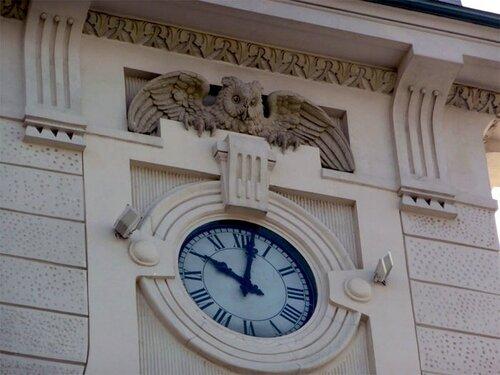 Часы на Витебском вокзале
