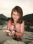 Сандра делает свое озеро.