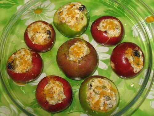 Начиненные яблоки
