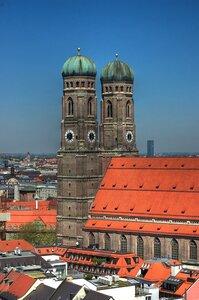 Вид на Фрауенкирхе с башни Альтер Петер