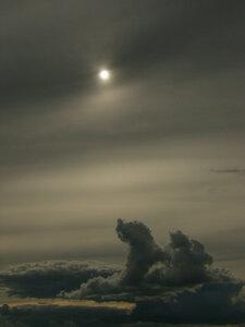 Тусклое солнце... эээ... Сатурна?
