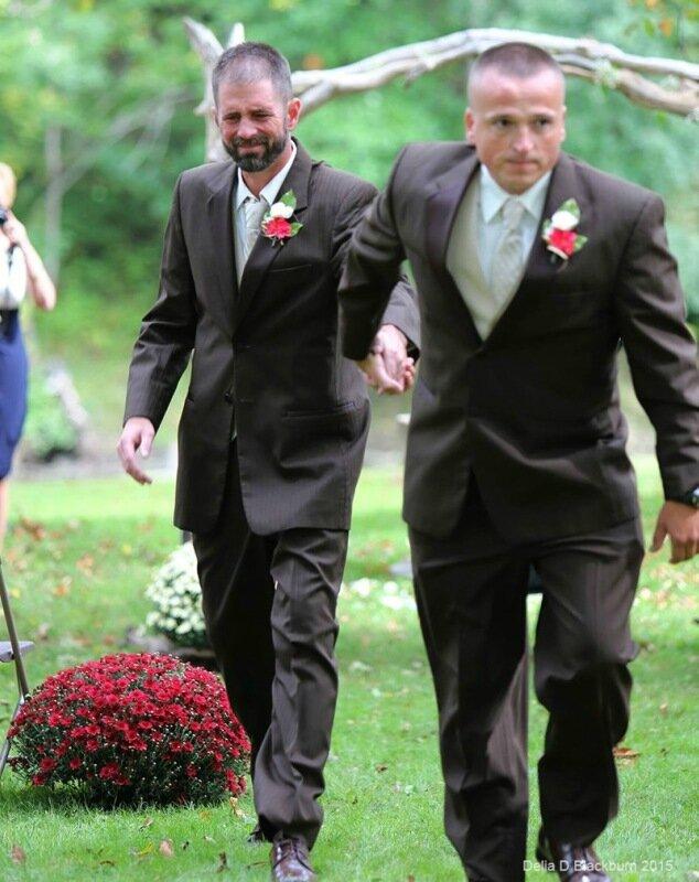 Отец невесты прервал свадебную церемонию для трогательного поступка