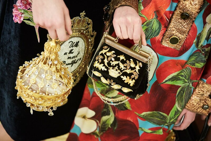 dolce-and-gabbana-fall-winter-2016-17-women-fashion-show-backstage-42-1600x1067.jpg