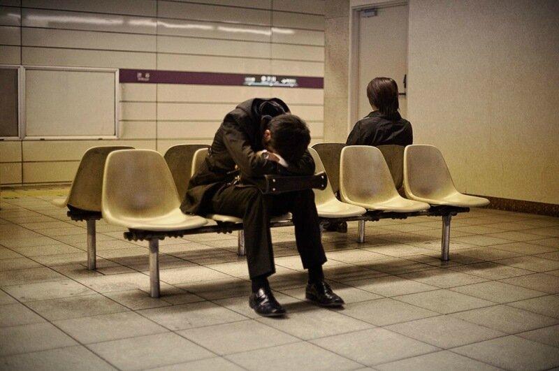 Фотопроект Адриана Стори: спящие на улицах Токио 0 1c59f1 4c09a6c2 XL