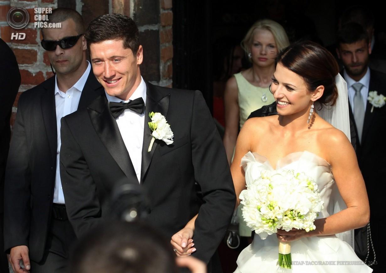 Польский голеадор женился (6 фото)