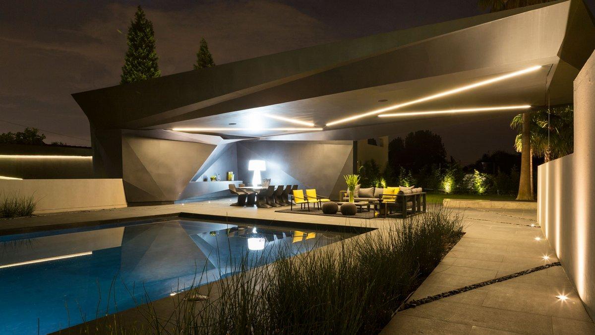Nico van der Meulen Architects, Kloof Road House, черный фасад частного дома, лучшие особняки мира фото, роскошный особняк фото, лучшие дома мира