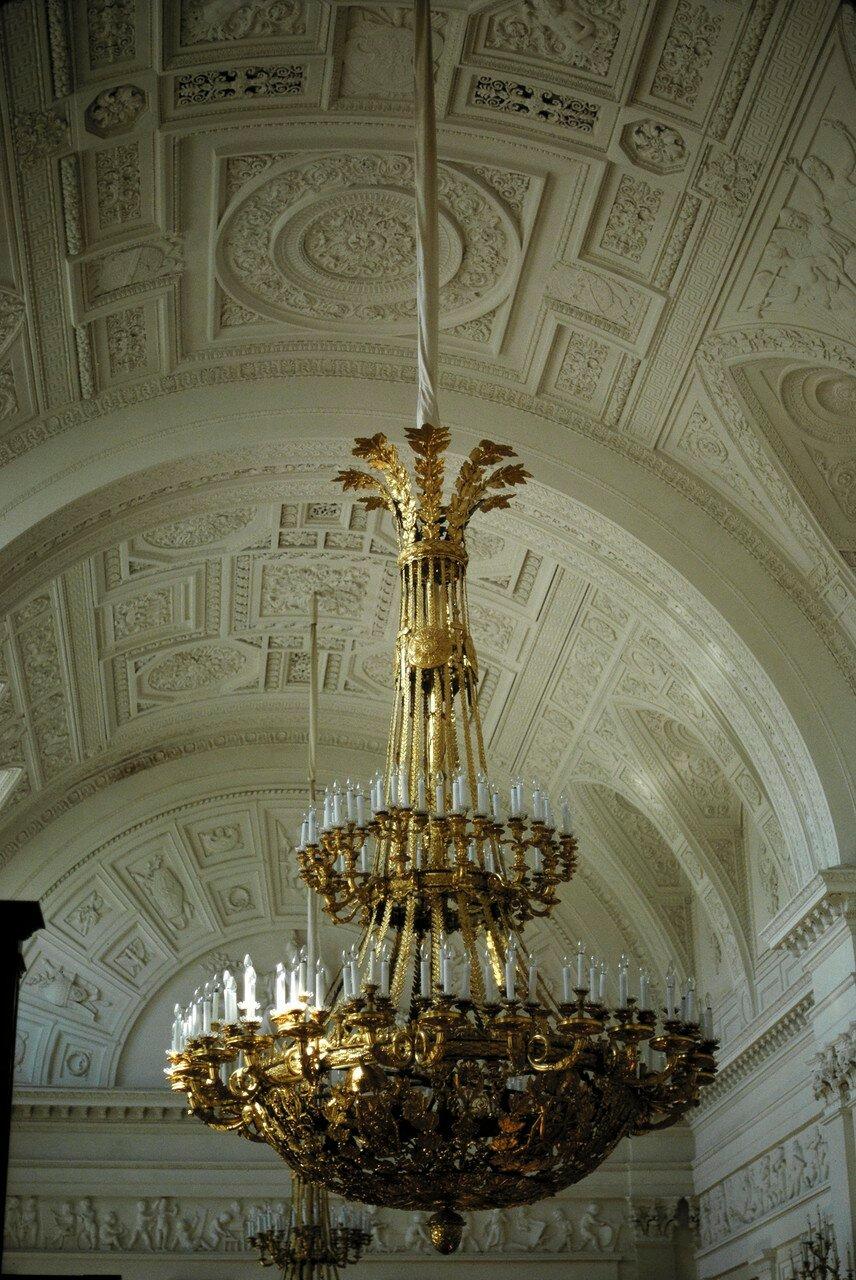 Зимний дворец. Люстра