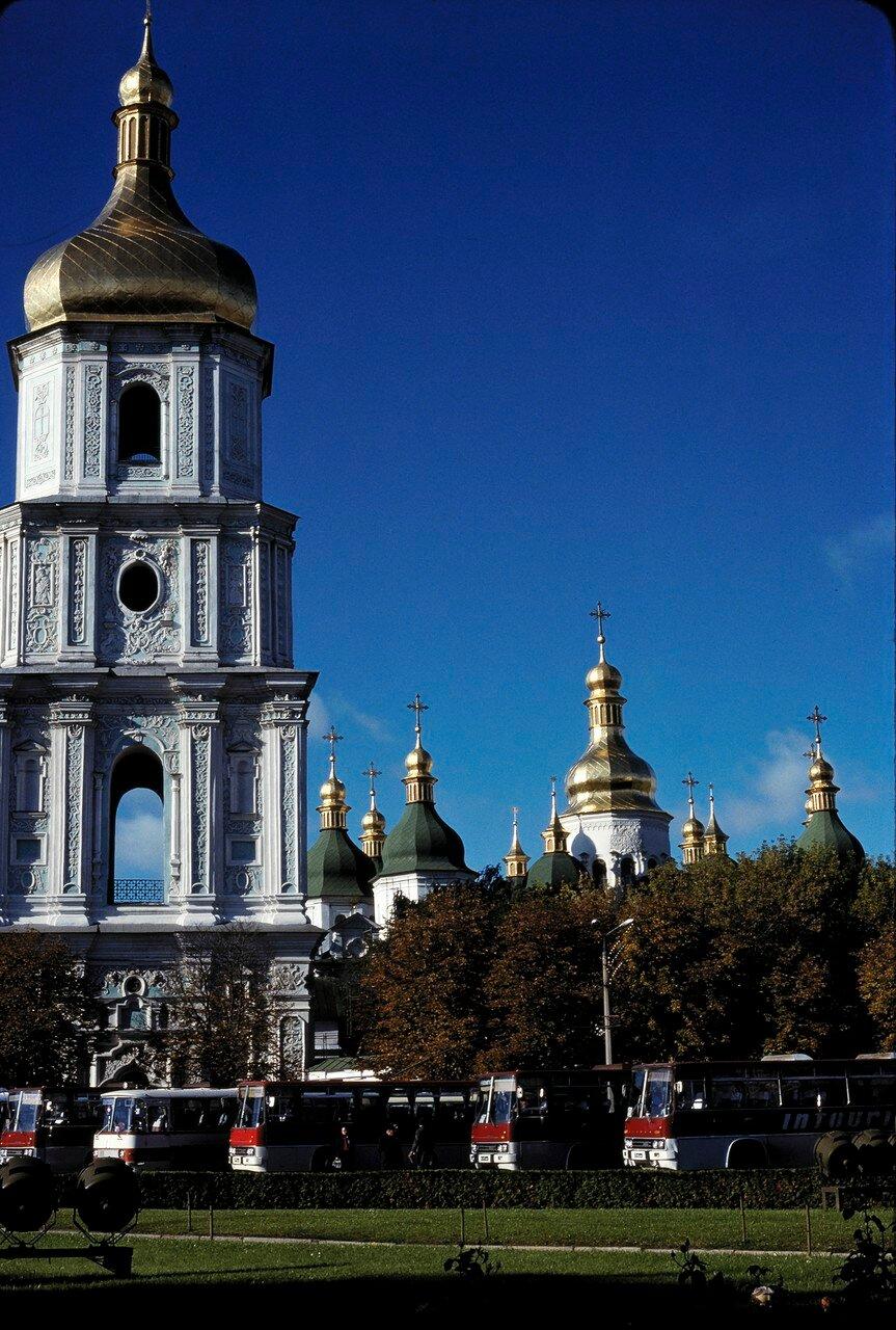 Софийский собор и колокольня 18 века