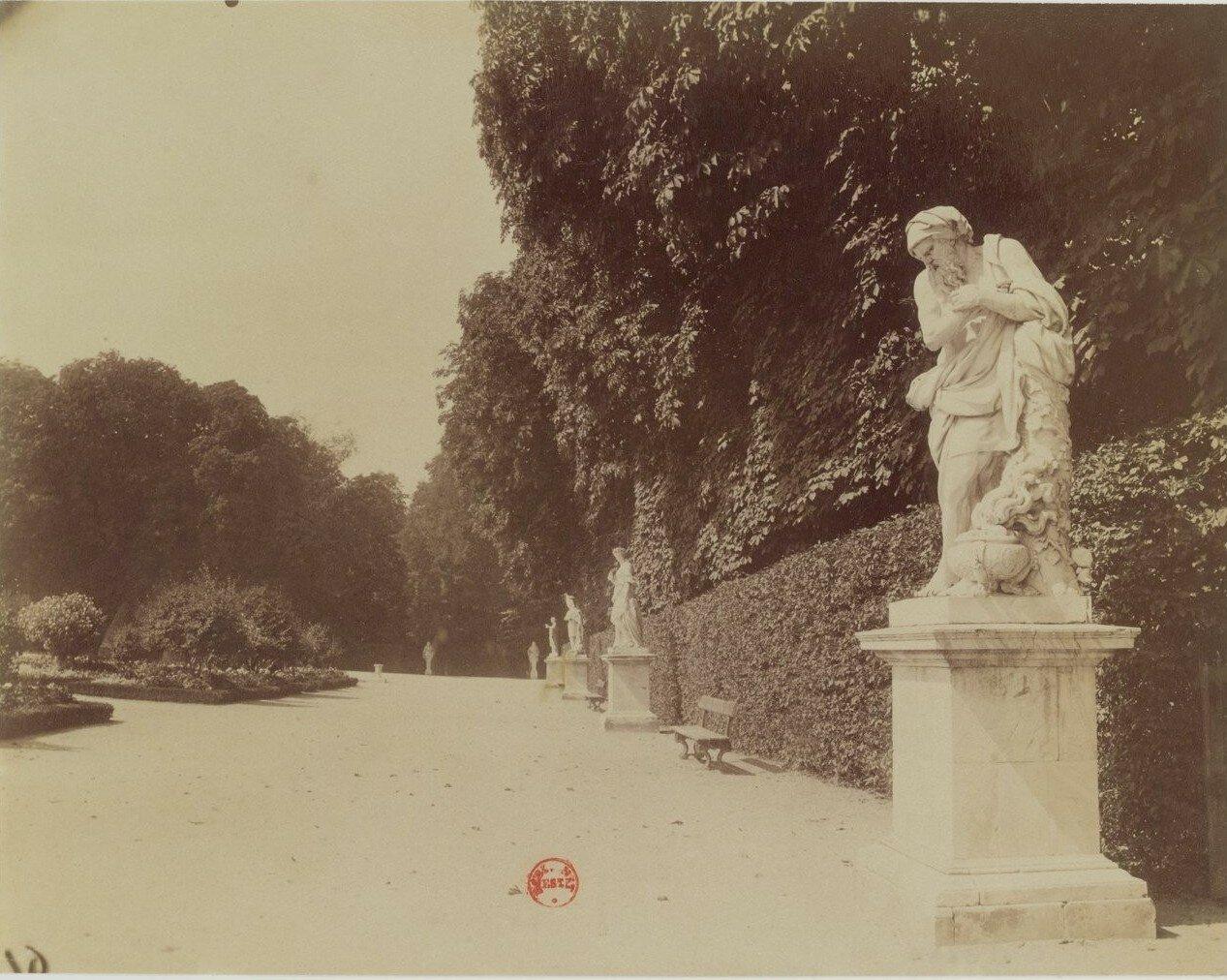 Парк Большого Трианона. «Зима» Франсуа Жирардона