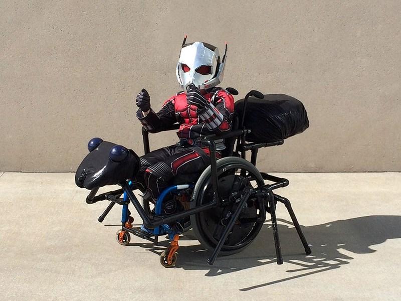 Превращение колясок детей-инвалидов в классные костюмы знаменитых персонажей