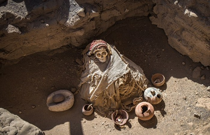 Chauchilla Cemetery with prehispanic mummies in Nazca desert, Pe