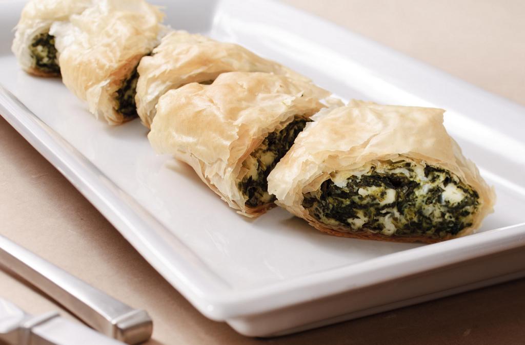 Спанакопита — пирог или пирожки из слоёного теста с начинкой из шпината, сыра фета и зелени. (So