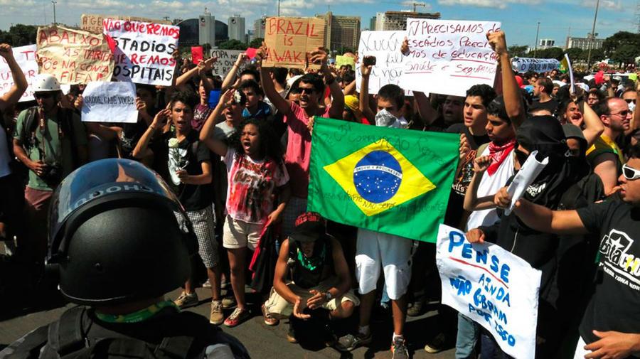 2. Бразилия Полиция Рио годами пользуется дурной славой в связи с высоким уровнем коррупции. Расслед